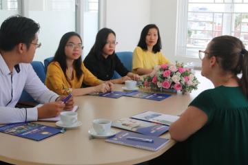 Đại học Úc thăm và đánh giá cao hệ sinh thái Tiếng Anh của Viet Anh House